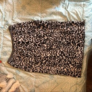 Jones New York animal print skirt.
